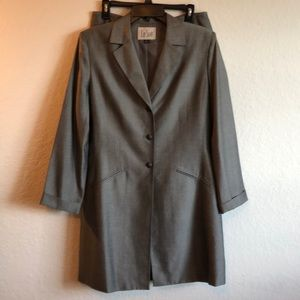 Le Suit 2 piece skirt suit